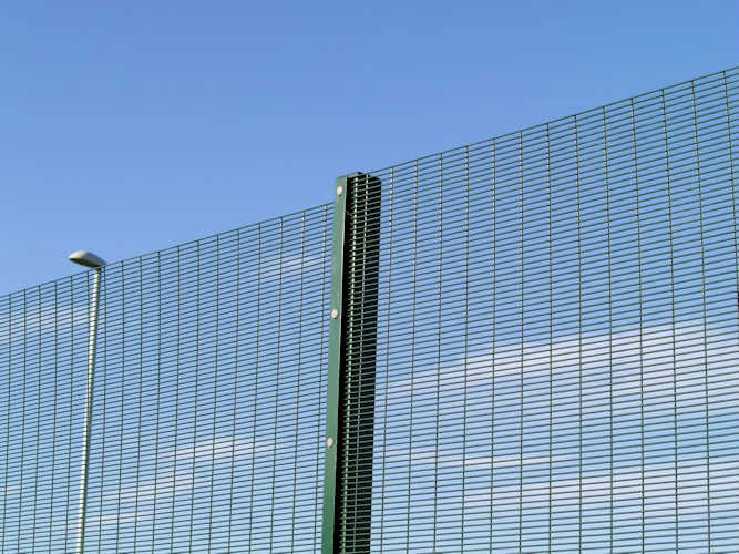 China security fence haotian hardware wire mesh